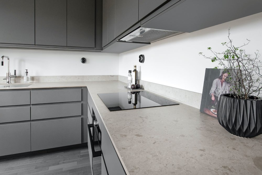 Bricmate Granitkeramik Bänkskiva Norrvange Light Grey Matt 1570x3270 mm