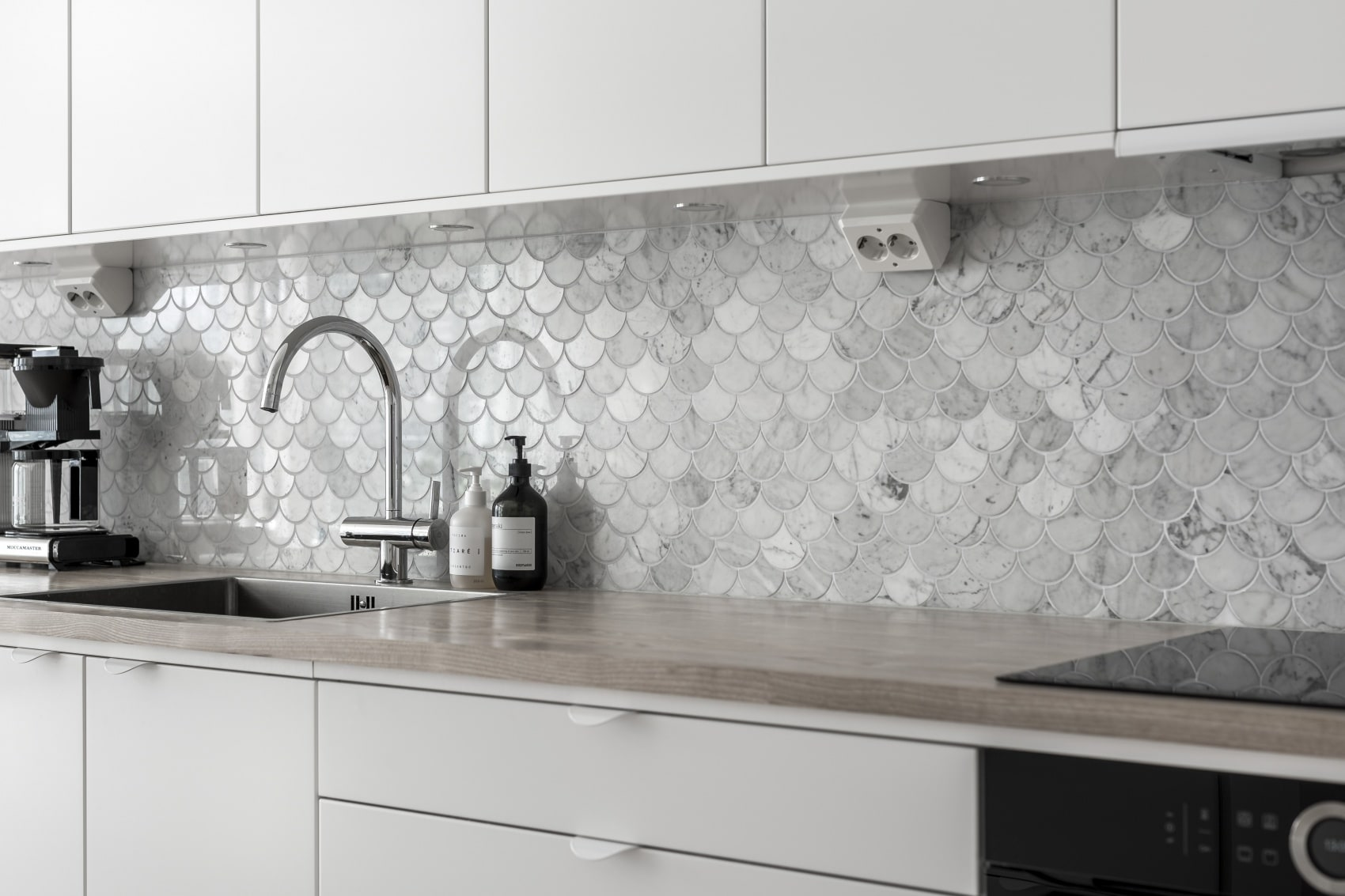 Bricmate Marmor Bianco Carrara U Fish Scale Carrara Polished