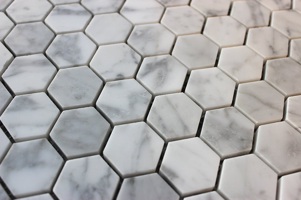 Collection Carrara Hexagon Mosaik äkta natursten 30x30x8 mm (ark 30x30 cm)