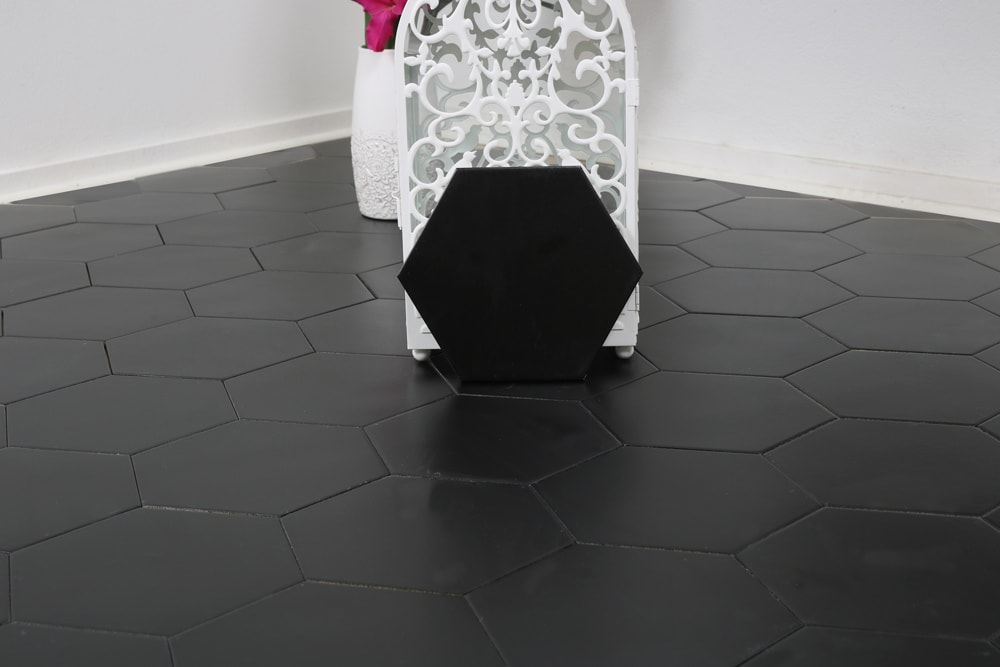 Tilemaster Klinker Hexagon Borno Black 20X23